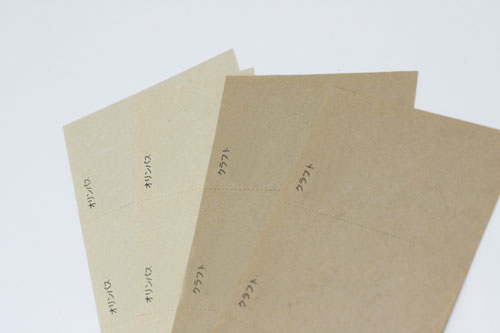 缶バッジ ラフト紙見本の写真