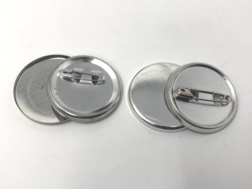 缶バッジパーツセリアと弊社の比較1