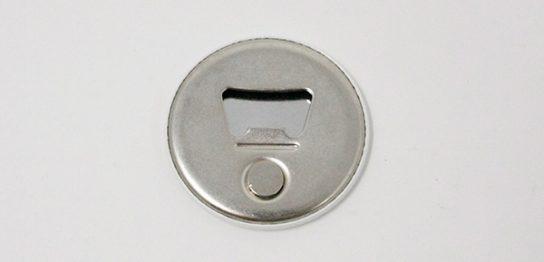 栓抜き缶バッジ3